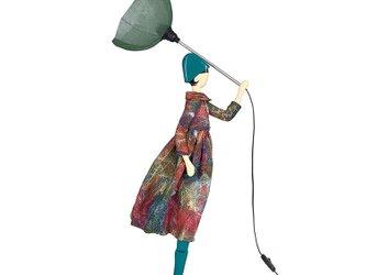 【2020年春モデル】風のリトルガールおしゃれランプ Renata スタンドライト 受注製作 送料無料の画像