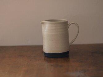 陶器のコーヒーサーバー 白の画像