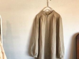 コットンリネンのスタンドカラーシャツ(093)の画像
