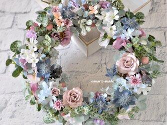 アンティークピンク ロマンティックなバラのリース:リース ピンク ブルー アッシュグレーの画像