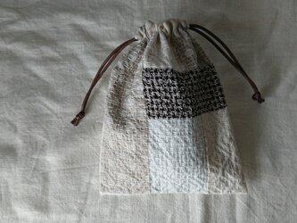 刺し子のパッチワーク巾着 【柿の花】の画像
