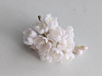 しだれ桜の布花コサージュの画像