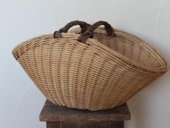 扇型バスケット(あけび持ち手)の画像