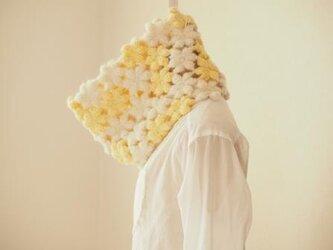 ウールモヘアのふわふわ花のネックウォーマー*きなり×イエロ―の画像