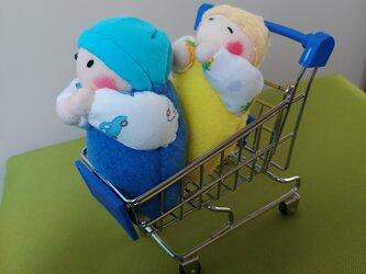 赤ちゃん人形(容器付き)送料無料の画像