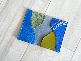 ブルーレザーと刺繍 カードケース 本革 レザー 名刺入れ スエード スモーク ブルーの画像