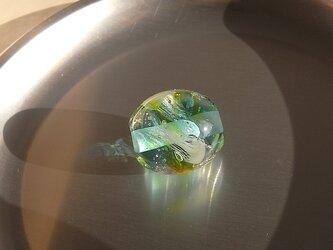 くらげ球・あおみどり・ガラス製・とんぼ玉の画像