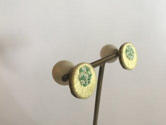 ブロッコリーの花の耳飾りの画像
