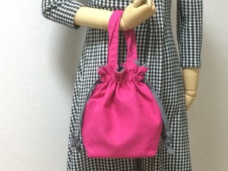 女性らしいマゼンタピンク×グレーコットンの紐リボン 11号帆布 使いやすい巾着バッグの画像