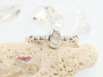 ~指先に結晶を飾る~フェナカイトの原石リング 8号の画像