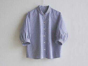 播州織コットン*ゆったりシルエットのシャツ(七分袖・青&白・ドビー織ストライプ)の画像