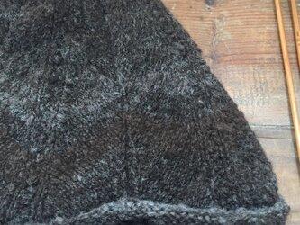 手紡ぎ糸のニット帽子・パーラーの画像