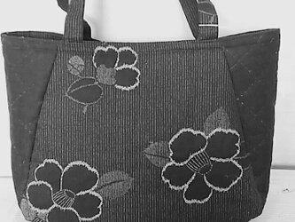 №203 椿柄のバッグの画像