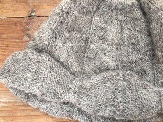 手紡ぎ糸のニット帽子・ビートル/シェットランドの画像