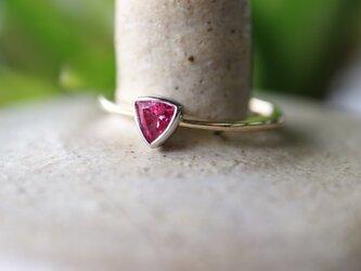 天然ピンクスピネル/トリリアントカット指輪の画像