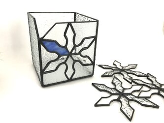 ステンドグラス 雪の結晶のBOXとサンキャッチャーの画像