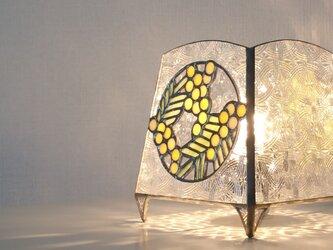 テーブル上のミモザ ステンドグラスのテーブルランプ【受注製作】の画像