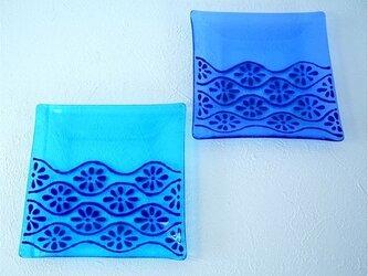 ブルーの角皿 二枚組の画像