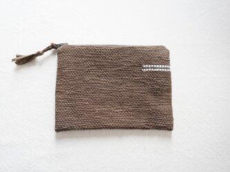 裂き織りのフラットポーチ   焦げ茶の画像