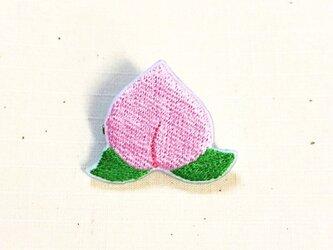 刺繍ブローチ 「桃」の画像