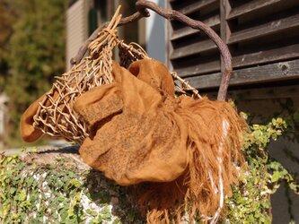 [煉瓦色] リネンツイルガーゼの刺繍ストール ミドル巾の画像
