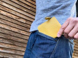▲L-SLIM ひまわりみたいに元気をくれるイエロー「エルスリム 財布」薄型L字ファスナー(LSW-YY-Y)の画像