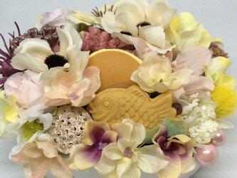 仏花     真珠の涙    福   (甘味のお供え付き仏花)の画像