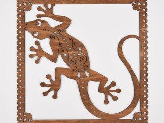 ビッグウッドフレーム「ヤモリ」(木の壁飾り)の画像