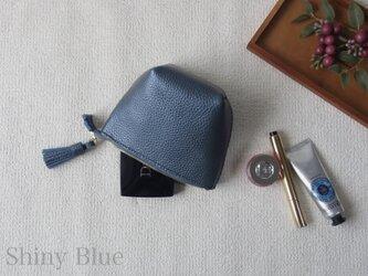 本革のタッセルポーチ(Shiny Blue)の画像