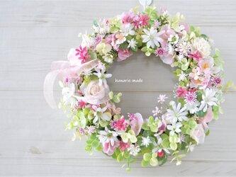 再販 ちいさな幸せ うす桃色の小花のリース :ピンク バラ さくら 春の画像