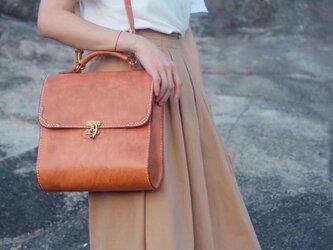 【ベルトのトートバッグ】 本革手作りトートバッグ 肩掛け 2WAY 鞄 総手縫いの画像
