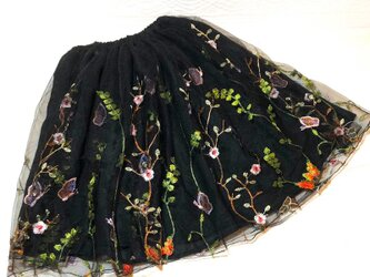 刺しゅうチュール ギャザースカート 受注製作 黒の画像