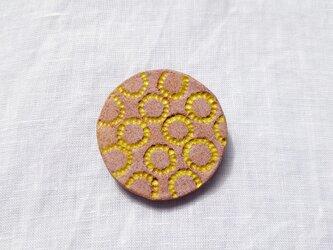 たんぽぽ2(イエロー×ピンク) 陶土ブローチの画像