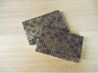 名刺入れ カードケース 銀ラメ正絹シルク黒地製 ゴールドカラー 蜀江の画像