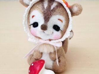 メルヘン♡レトロな赤ちゃんリスさんの画像