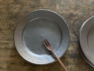ヘリンボーンリム皿の画像