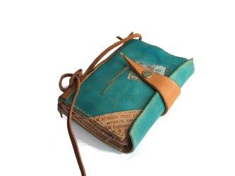 革 財布 『book wallet 古書風』 手染め ブルーの画像