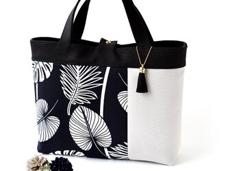 一点もの!デザイナーズデザイン・ブラックトロピカル葉柄のトートバッグの画像
