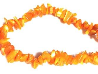 穴有 オレンジマザーオブパール (大粒) さざれ石 19cmの画像