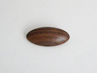 ブローチ -ウォルナット楕円-の画像