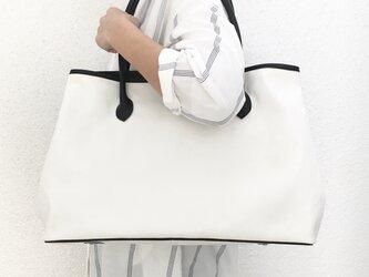 大容量 自立する11号帆布とレザーのワイドトートバッグ【オフホワイト】の画像