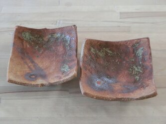 焼き締め四角皿の画像