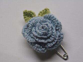 ストールピン・ライトブルーのバラの画像