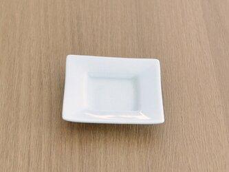 白磁 角豆小皿箸置の画像