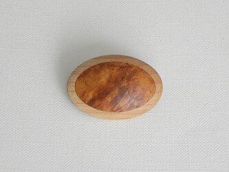 ブローチ -カリン・メープル楕円-の画像