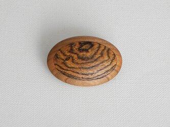 ブローチ -ボコーテ・ブラックチェリー楕円-の画像