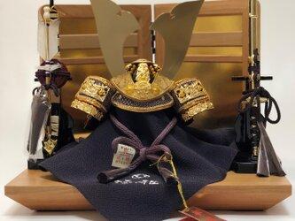 【五月人形】【コンパクト】【端午の節句】【平台飾り】 麻武4号兜桜平台屏風付き飾りの画像