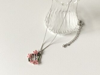 季節の花を身につけて〈山桜のネックレス〉*タティングレース*の画像