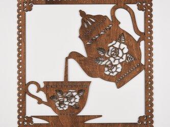 ビッグウッドフレーム「ティータイム」(木の壁飾り)の画像