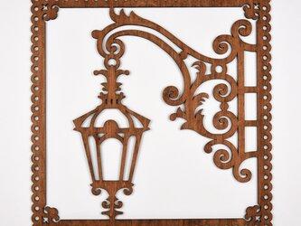 ビッグウッドフレーム「街灯」(木の壁飾り)の画像